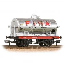 37-680B 14T TANK WAGON FINA SILVER