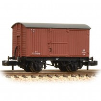 377-976A 12 Ton Eastern Ventilated Van Planked Ends BR Bauxite (Early)