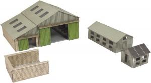 PN951 MANOR FARMS BUILDINGS N GAUGE